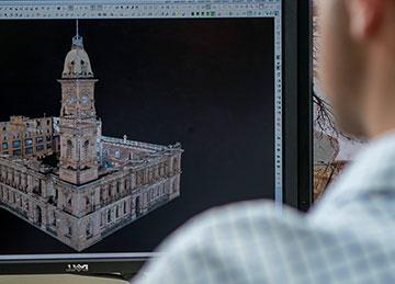 3D схема исторического здания на мониторе